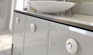 """ידיות כפתור למטבח ורהיטים 24273 – 52 מ""""מ קריסטל בספירלה לבנה"""